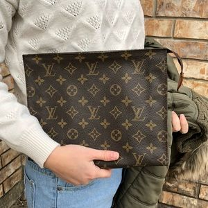 Louis Vuitton toiletry 26 cosmetic pouch clutch